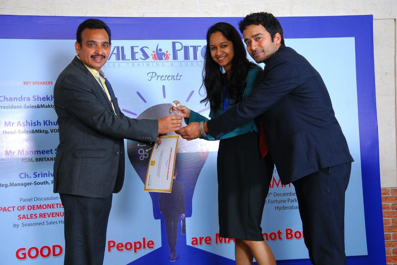 SIBM Hyderabad shines at CMO Summit'16